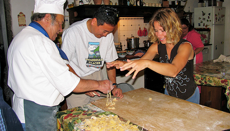 Wctq-tuscany-walking-cooking